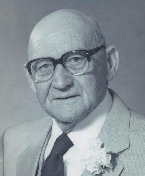 Frank hicks obituary and death notice on inmemoriam for Alexander hick